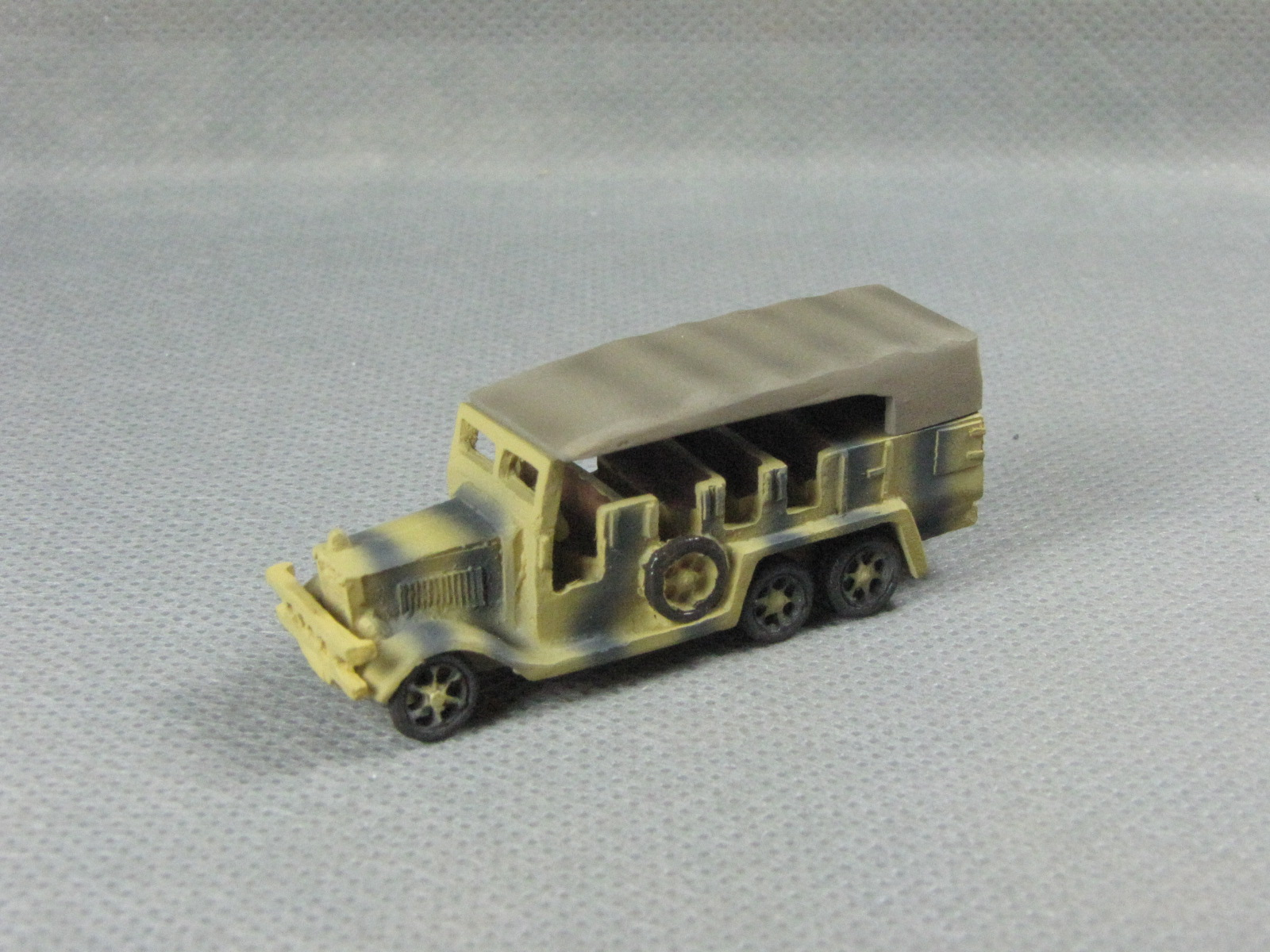 Henschel 33 Prime Mover yellow