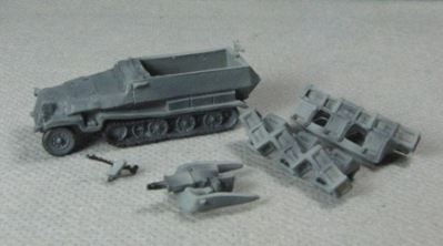 SdKfz 251 Ausf.C (gray /w rocket launcher)